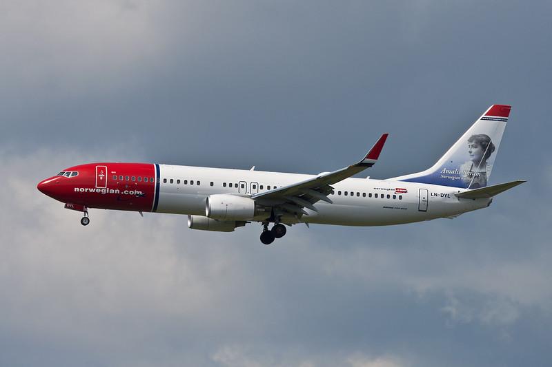 """LN-DYL Boeing 737-8JP c/n 40867 Helsinki-Vantaa/EFHK/HEL 20-06-11 """"Amalie Skram"""""""