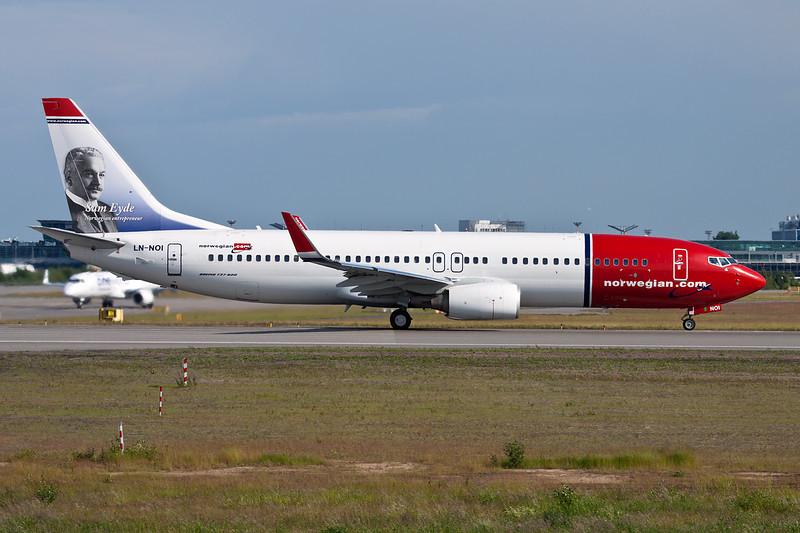 """LN-NOI Boeing 737-86N c/n 36820 Helsinki-Vantaa/EFHK/HEL 20-06-11 """"Sam Eyde"""""""