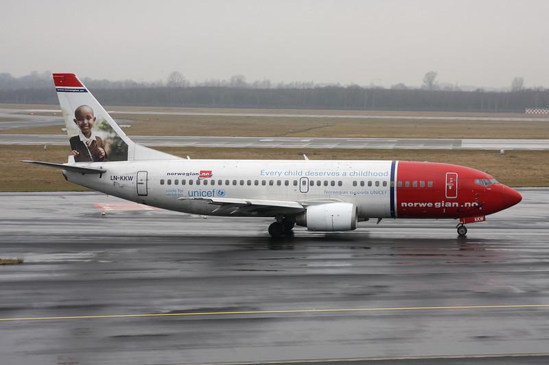"""LN-KKW Boeing 737-3K9 c/n 24213 Dusseldorf/EDDL/DUS 17-02-12 """"Unicef"""""""
