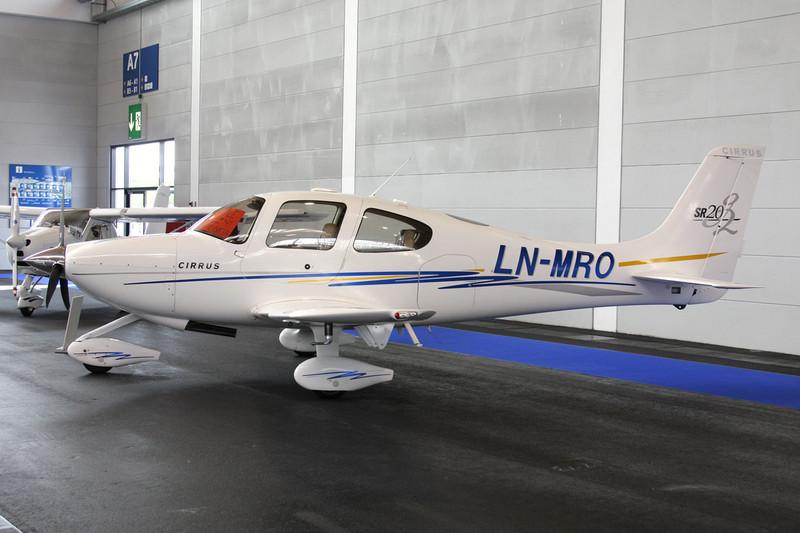 LN-MRO Cirrus Design SR-20 c/n 1444 Friedrichshafen/EDNY/FDH 19-04-12