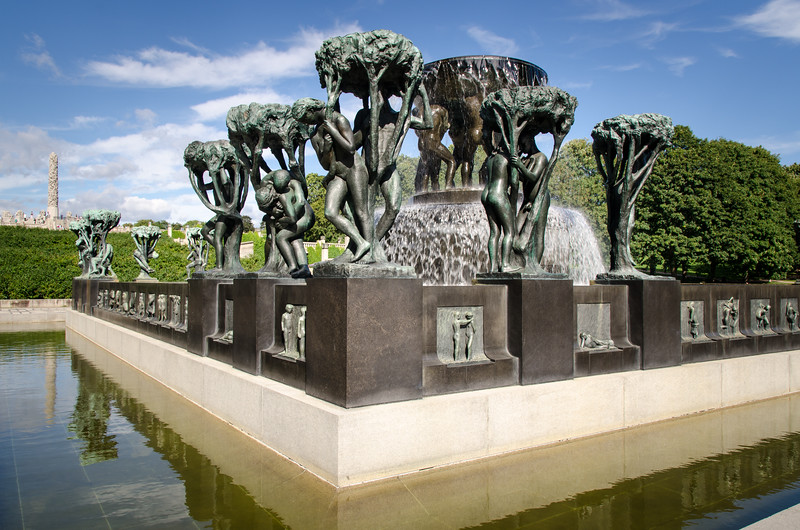 The unique sculpture park is Gustav Vigeland's lifework with more than 200 sculptures in bronze, granite and wrought iron. Vigeland was also in charge of the design and architectural layout of the park. The Vigeland Park was mainly completed between 1939 and 1949.