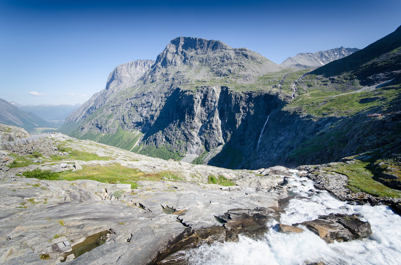 The stream at Trollstigen flowing over the edge; you can see the road headed down on the left side. You can just make out the second viewing platform on the right.