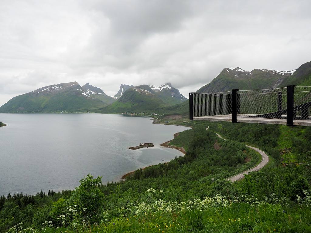 Bergsbotn viewing platform in Senja