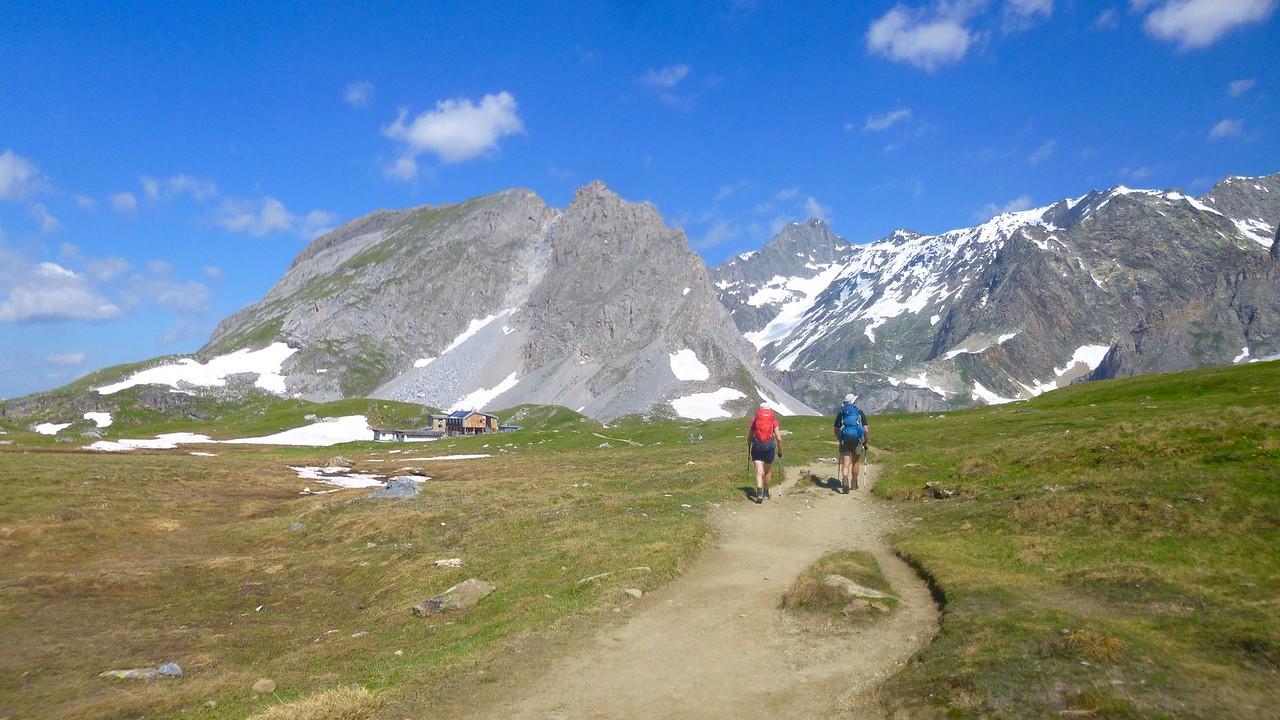 Approaching Refuge de Col de la Vanoise