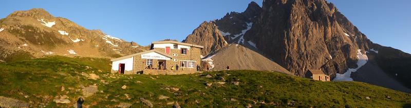 Refuge Pombie panorama