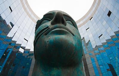 Tindaro: la Défense, Paris,