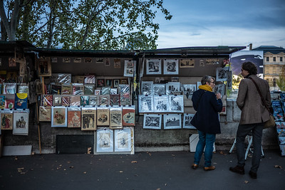 Bouquiniste along Seine