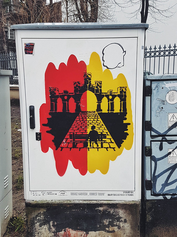 Painted electricity box in Lodz, Poland