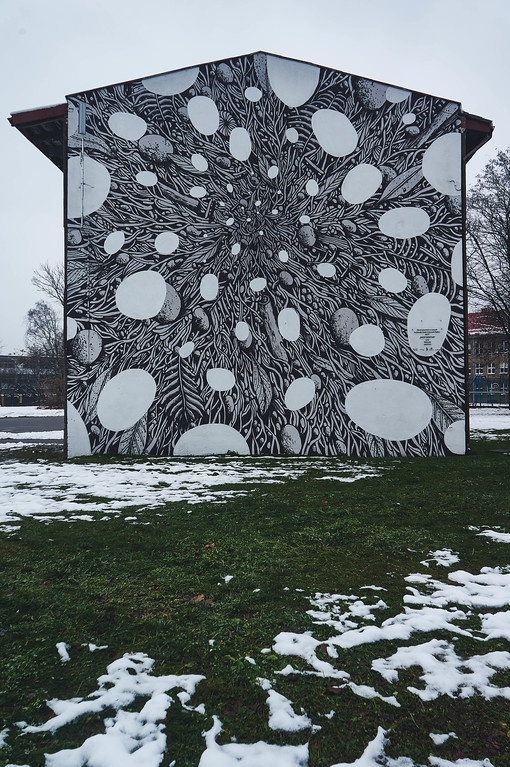 Deep Winter mural by Tellas in Lodz, Poland