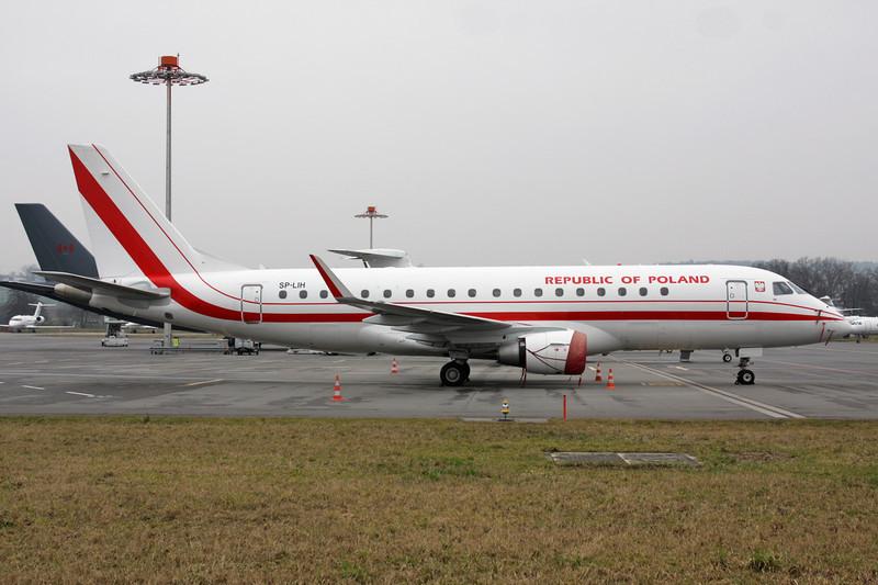 "SP-LIH Embraer Emb-175-200LR ""Polish Government"" c/n 17000288 Zurich/LSZH/ZRH 26-01-12"