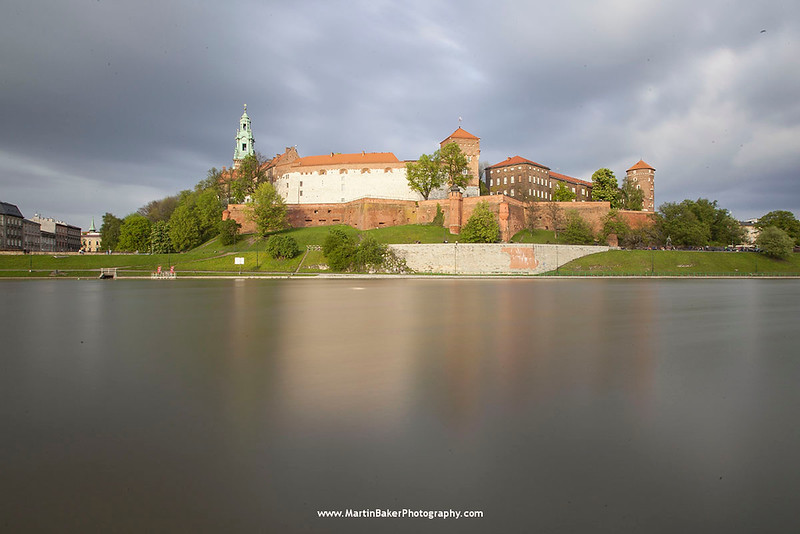The Wisła River and the Wawel, Kraków, Poland.