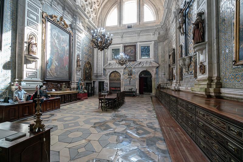 Sacristy of Mosteiro de Santa Cruz.