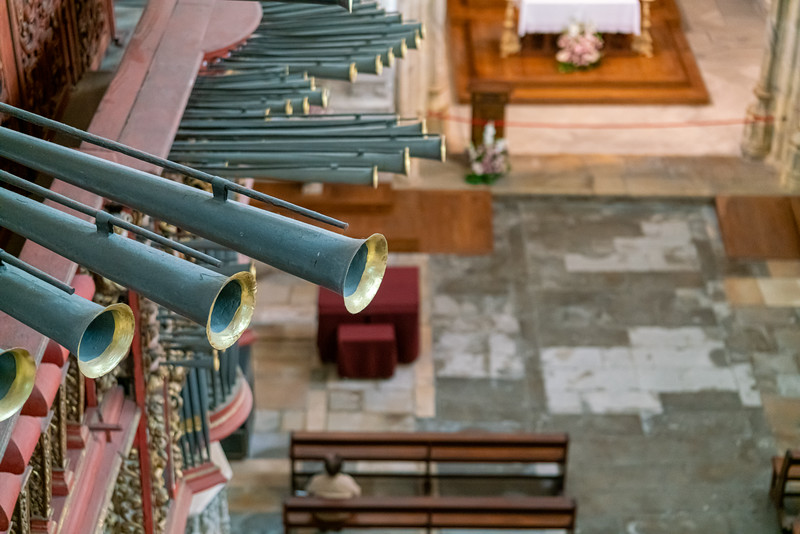 Detail of the Iberian style pipe organ in the Church of Santa Cruz.