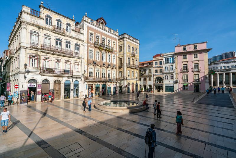 Praça 8 de Maio.