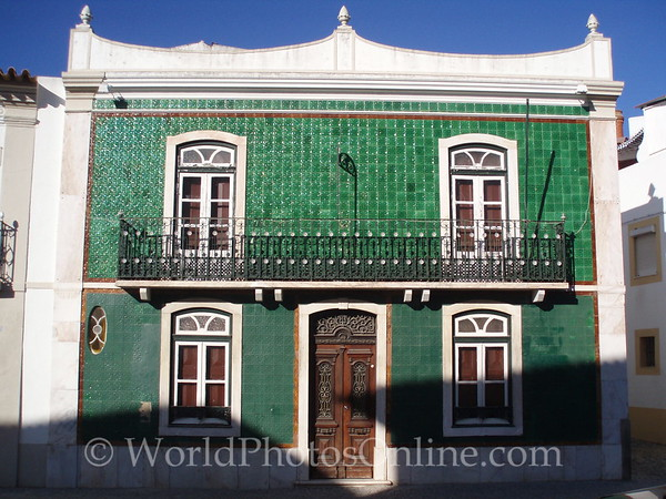 Evora - Green Tile House