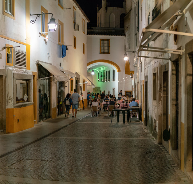 This street, just off the raça do Giraldo, is lined with cafes and bars.