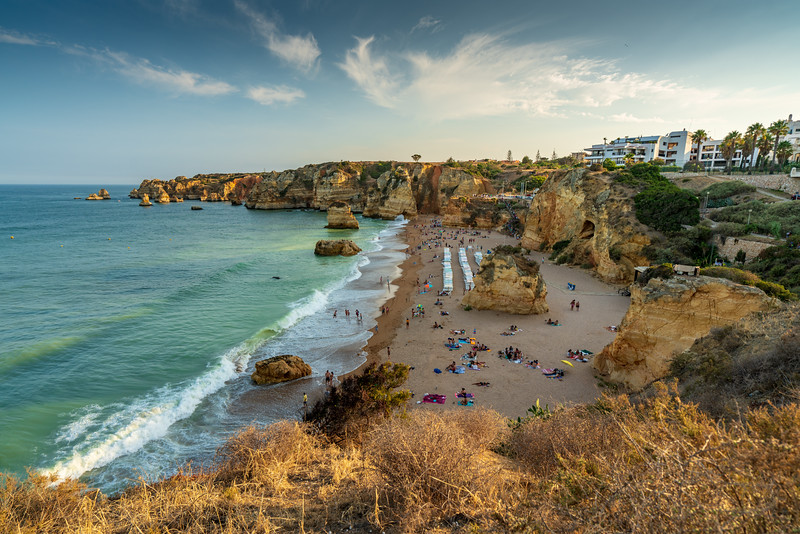 The biggest beach in Lagos is Praia Dona Ana.