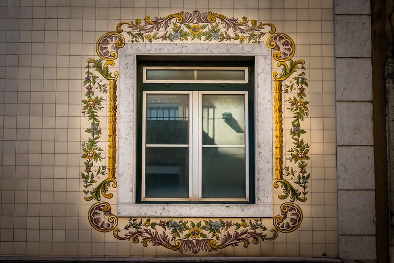 Tiles around Windows, Lisbon