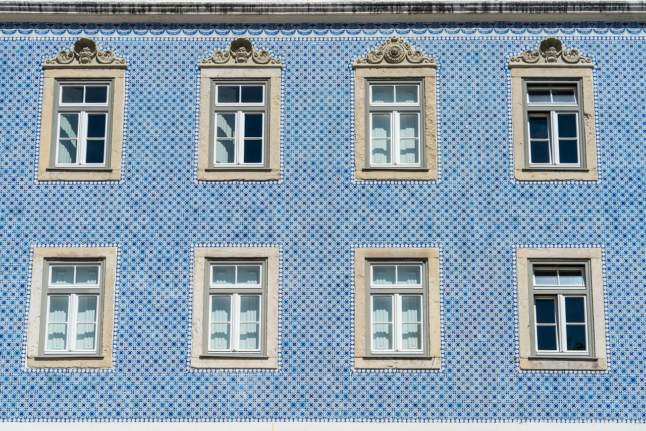 A beautiful tiled building in the Alfama.