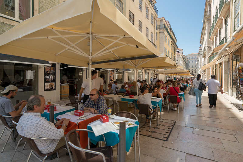 A sidewalk cafe in the Baixa. This is the only flat part of Lisbon. This area was pretty much wiped out by an earthquake, tsunami and fire in 1755.