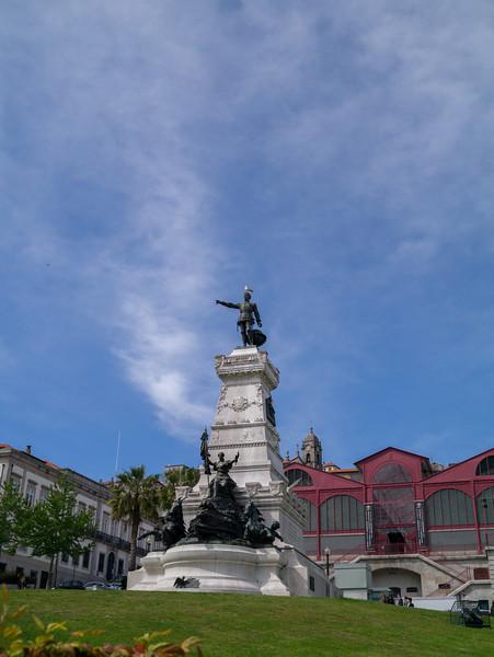 Statue outside  Palácio da Bolsa