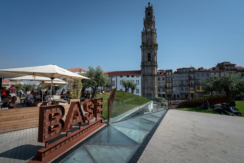 The Praça de Liboa park sits on top of a parking garage. Nice!