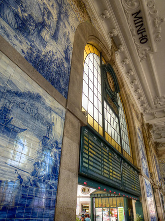 sao bento train station porto tiles