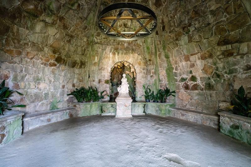Leda's Cave.