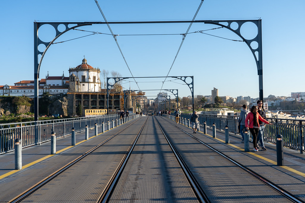 Walking across Luis I Bridge