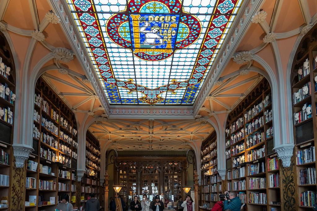 Inside Livraria Lello bookstore