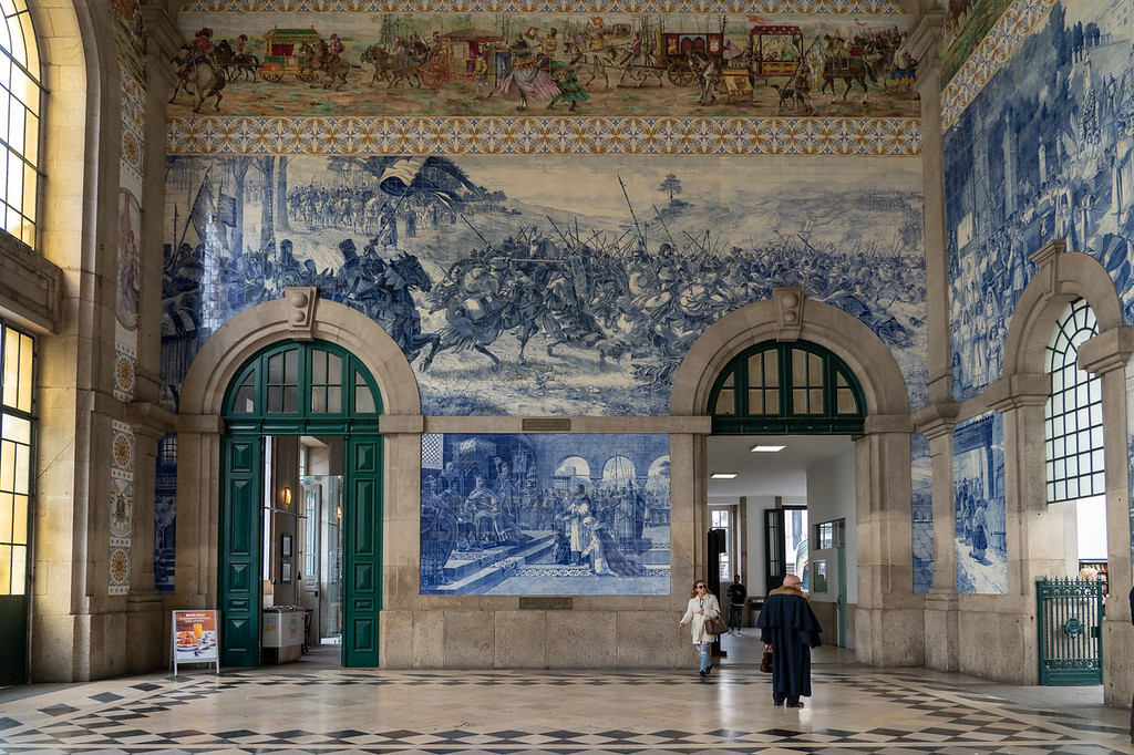Tiles at the Sao Bento railway station