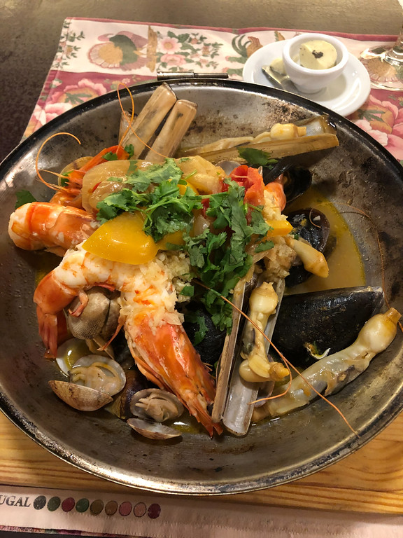 Seafood feast at Tapabento in Porto