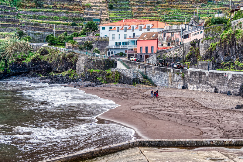 The Village of Seixal on the North Shore of Madeira (©simon@myeclecticimages.com)