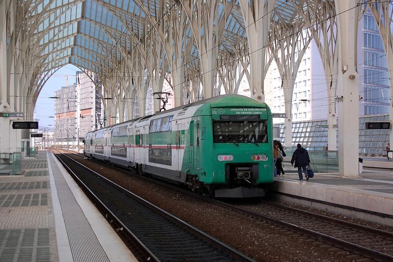 A CP 3500 EMU at Lisboa Oriente.