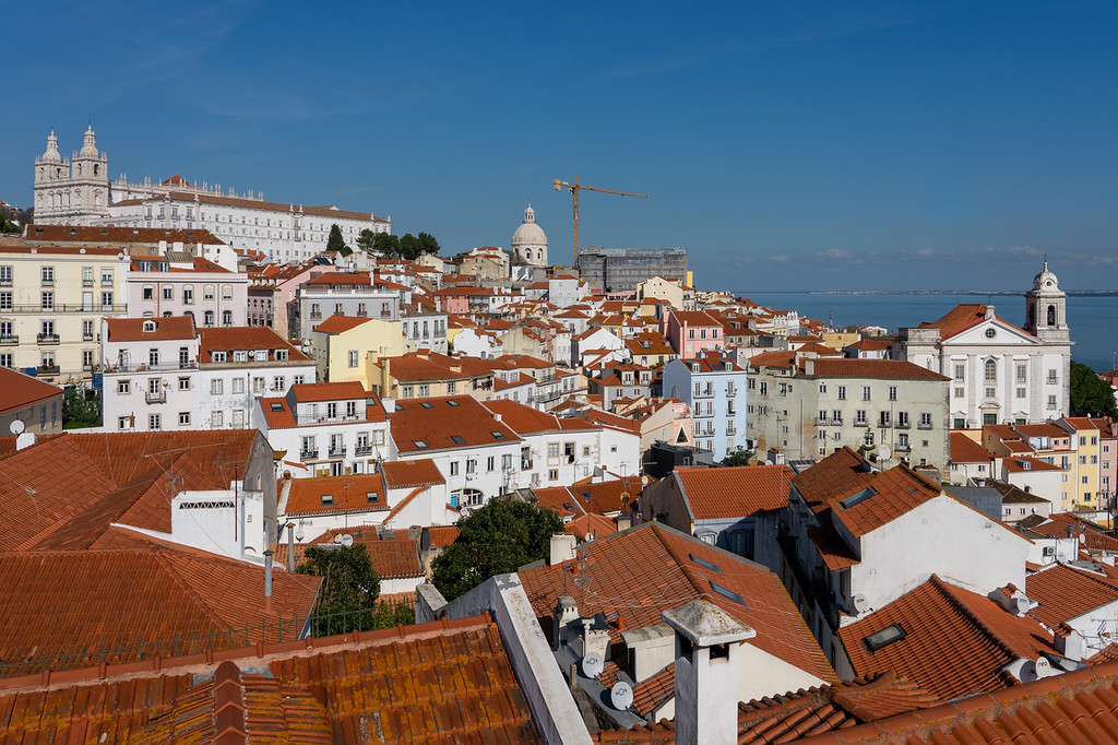 Miradouro das Portas do Sol in Lisbon