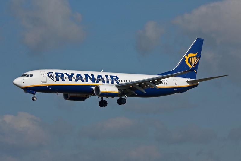 EI-EFK Boeing 737-8AS c/n 37537 Charleroi/EBCI/CRL 14-10-09