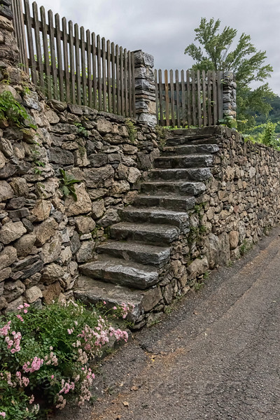 Steps up the Wall