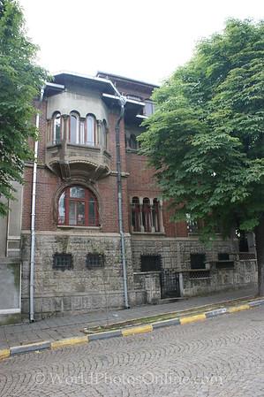 Bucharest - House on Hill Avenue Metropolitan