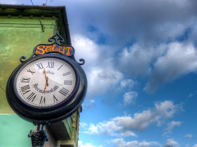 romanian clock