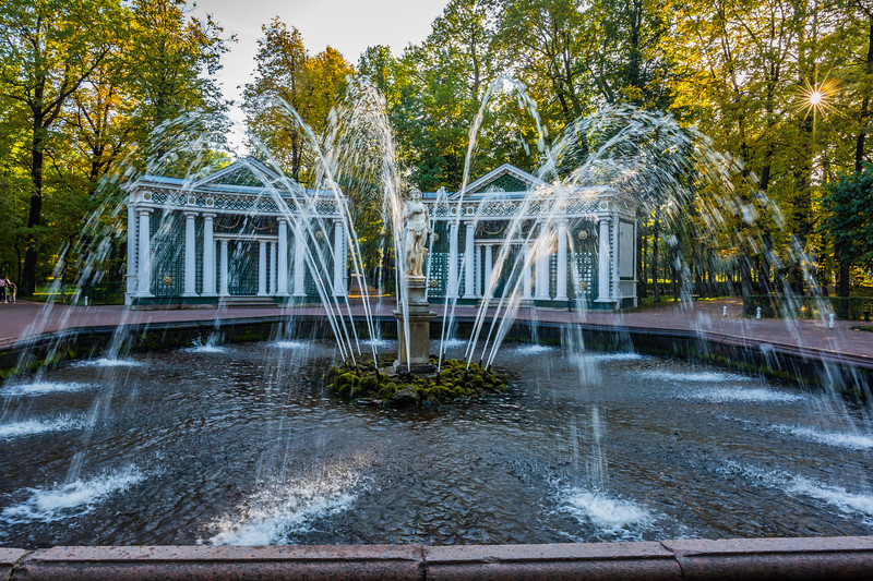 GArden fountain, Peterhof Palace