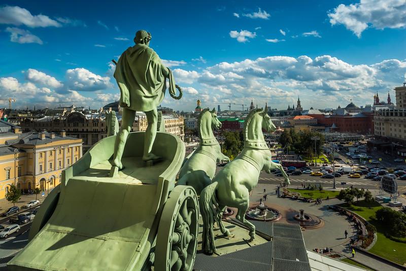 Quadriga by Peter Clodt von Jurgensburg on top of Bolshoi