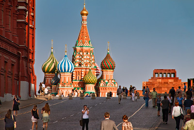 Life scene in the Red Square. The part of this road is strongly curved yielding this very nice view of  the Saint Basil's Cathedral.