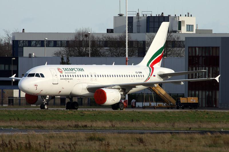 """VQ-BMM Airbus A319-112 """"Tatarstan Air"""" c/n 3171 Maastricht-Aachen/EHBK/MST 31-12-13"""