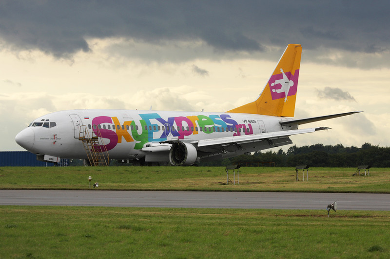 "VP-BBN Boeing 737-330 ""SkyExpress"" c/n 23527 Kemble/EGBP 17-07-09"