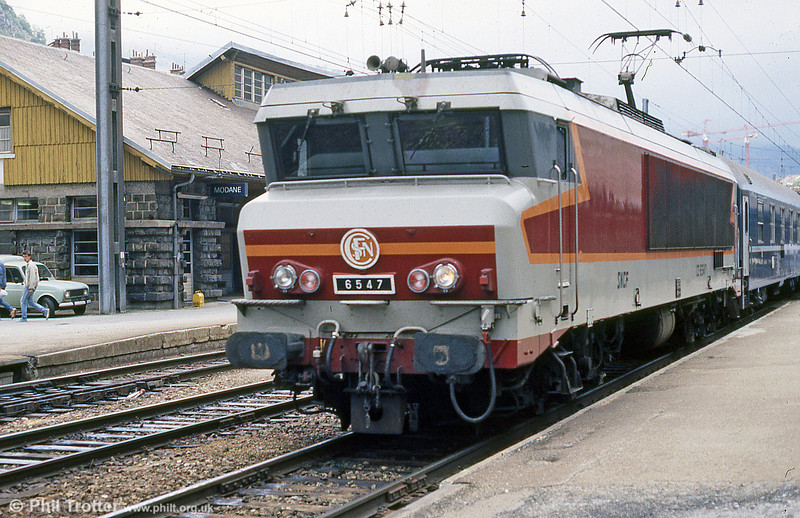 CC 6547 at Modane, with a train for Italy in August 1988.