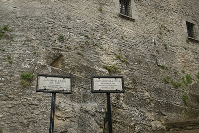 Entrance sign to Castello della Cesta and Antique Museum Weapons in San Marino
