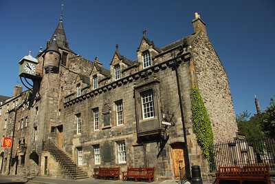 Canongate Tolbooth Built in 1591 - it was here that the tolls or public dues were collected.