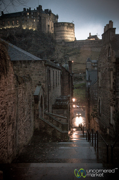 Edinburgh Castle and Alley - Scotland