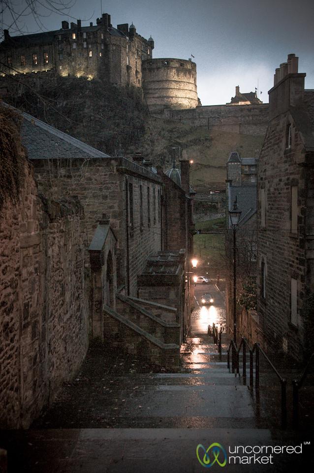 Edinburgh Castle and Alley - Scotland