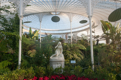 Statue of Eve at the Glasgow Botanic Gardens in Glasgow, Scotland